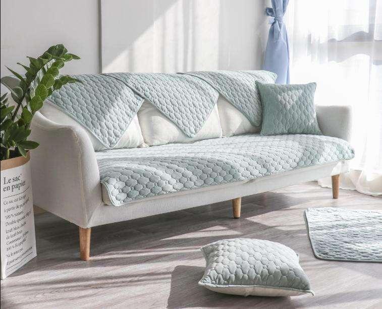 沙发垫怎么选?这些小技巧简单易学,让沙发看起来更高级